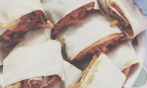 千张包胡萝卜炒肉丝的做法