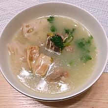 莲藕鱿鱼骨头汤