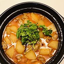 肥肠猪肚砂锅煲