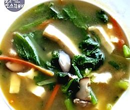 香菇豆腐小白菜汤的做法