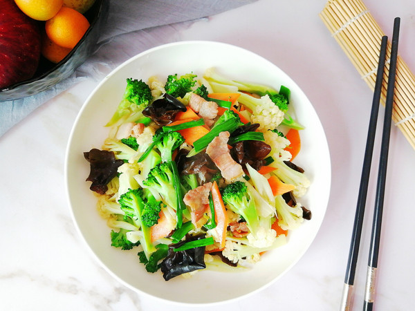 小炒双花菜,色彩丰富营养全的做法