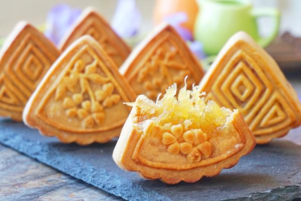 广式凤梨月饼(详细皮馅做法)的做法