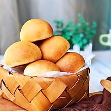 #带着美食去踏青# 奶香小面包