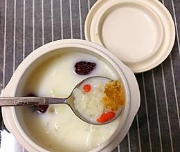 牛奶银耳桃胶雪燕羹的做法