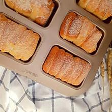 长草很久的炼乳面包