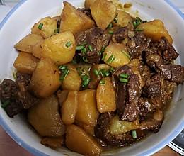 家常土豆烧牛腩的做法