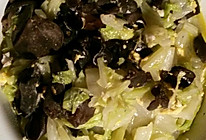 黑木耳卷心菜的做法