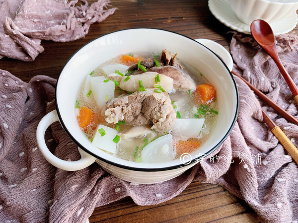 红白萝卜大骨汤的做法