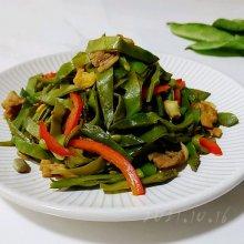五香猪肉焖扁豆