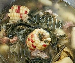 快速玉米菜干排骨汤的做法