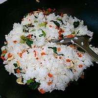 虾仁杂蔬蛋炒饭的做法图解5