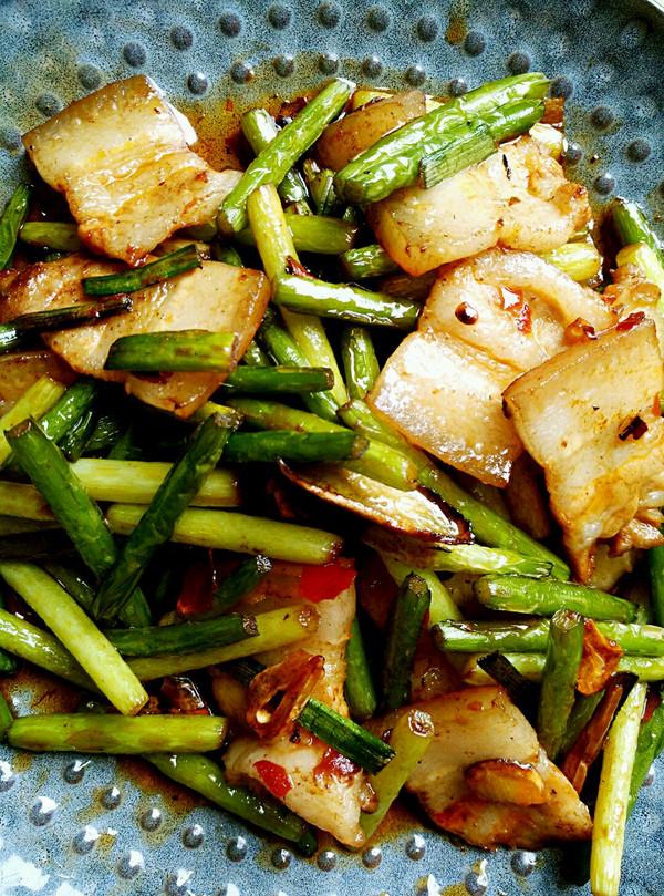 蒜苔回锅肉的做法