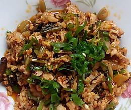 酸腌菜炒肉的做法