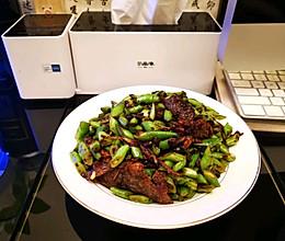 健脾消暑排毒养颜圣手→豆豉鲮鱼炒四季豆的做法