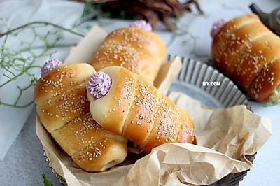 大米黑穗醋栗奶油面包卷---有颜色有味道