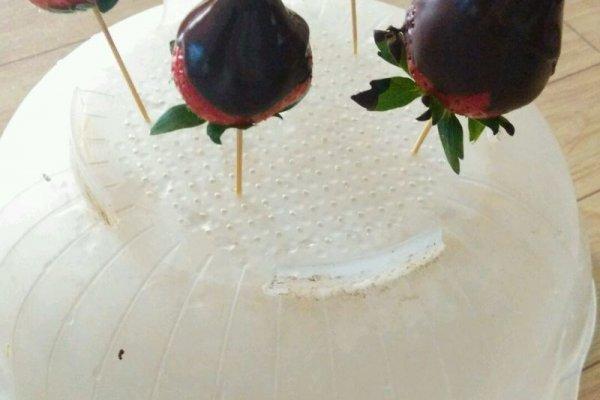 巧克力草莓甜点的做法