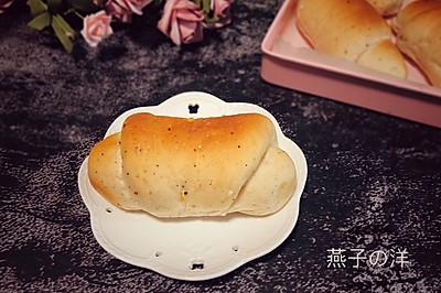 羊角之多谷物全麦面包