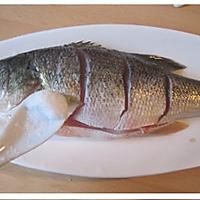 葱油鲈鱼的做法图解2