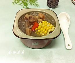 玉米莲藕筒骨汤的做法