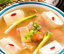 缓解产后疼痛的食补:葱白炖猪蹄的做法