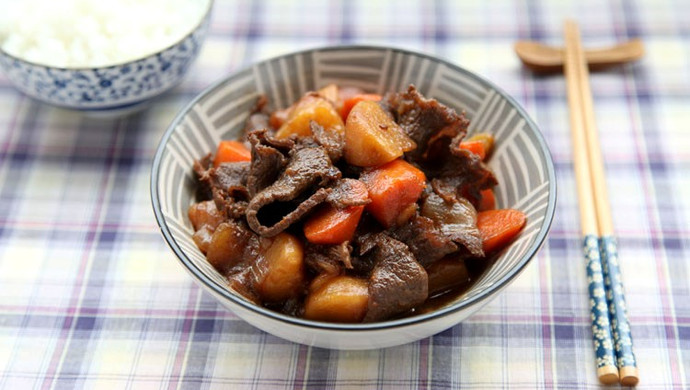 牛肉煮土豆