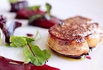煎法国鹅肝/鸭肝 配 红酒煨雪梨+桑葚汁的做法