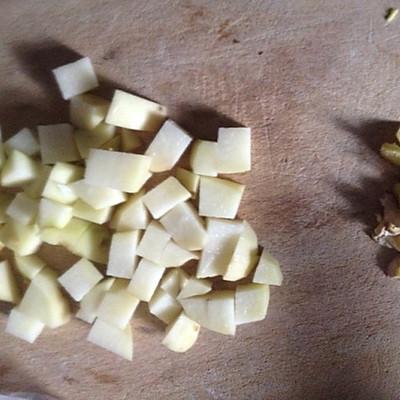 玉米土豆排骨的做法 步骤3
