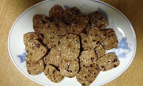 给妈妈做的一一一蜜枣燕麦饼干的做法