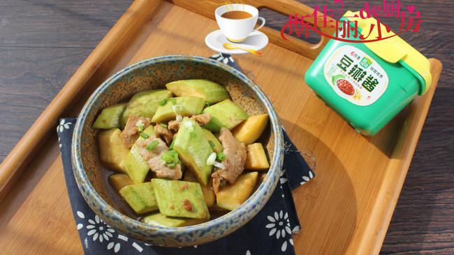 #一勺葱伴侣,成就招牌美味#酱烧肉片西葫芦的做法