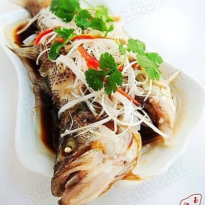 清蒸河鲈鱼