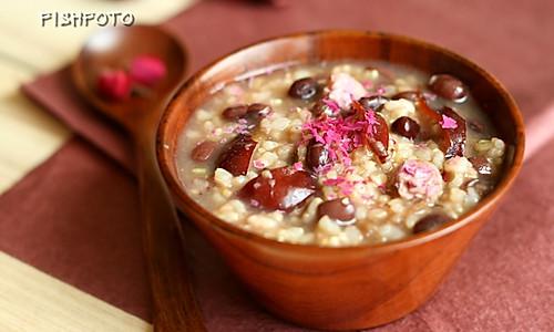 玫瑰红豆大枣糙米粥的做法