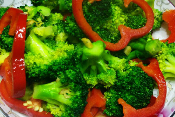 超级爆好吃快手菜特别营养防感冒还防晒之 炒 花 菜的做法