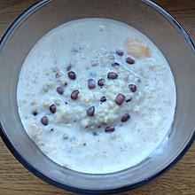 红豆薏仁燕麦牛奶粥