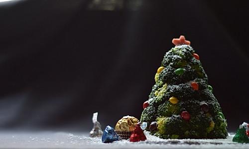 如何做好看的圣诞树沙拉(西兰花土豆泥圣诞花环)的做法