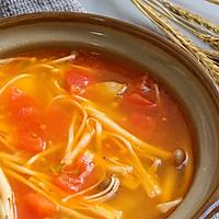 鲜美开胃: 风味西红柿杂菇汤的做法图解13