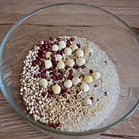 莲子红豆粥的做法图解2