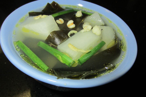 薏米萝卜海带汤的做法