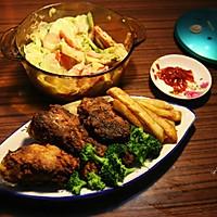 美国南方香酥炸鸡(配炸薯条和蔬菜沙拉)的做法图解9