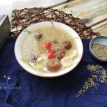 补气养胃:桂圆莲子黑小米粥