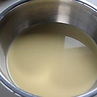 人气甜品,一试难忘——浓香乳酪布丁的做法图解7