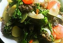 西兰花胡萝卜炒牛肉的做法
