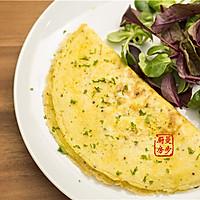 【曼步厨房】快手早餐 - 烟熏三文鱼蛋饼的做法图解4