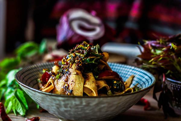 香椿拌豆皮---最有味道的凉菜的做法