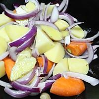 咖喱土豆炖牛肉的做法图解4