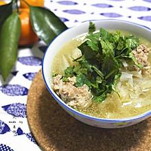 冬日防病美味—砂锅萝卜丸子汤