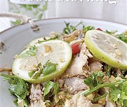 #合理膳食 营养健康进家庭#柠檬手撕鸡,开胃必备的做法