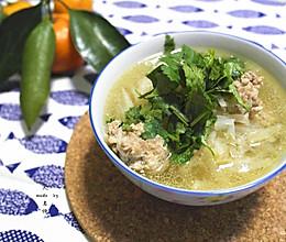 冬日防病美味—砂锅萝卜丸子汤的做法