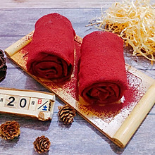 蔓越莓红丝绒毛巾卷