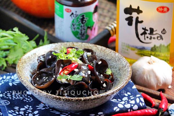 清除血管垃圾的凉拌菜——凉拌爽脆黑木耳的做法