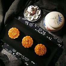 """广式莲蓉&豆沙蛋黄月饼#享""""美""""味#"""